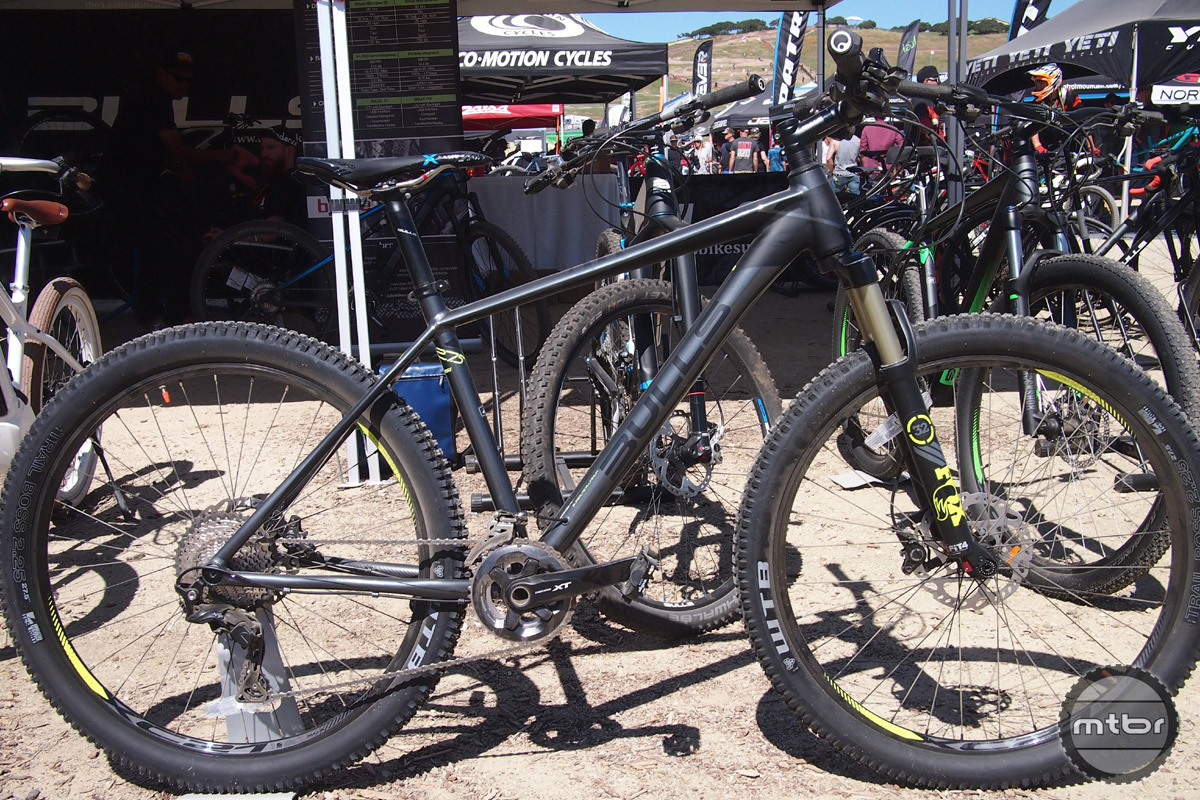"""The Copperhead 3 RSi is the almost identical to the Copperhead 29 but it is optimized for 27.5"""" wheels. Same parts spec and same $1999 price."""