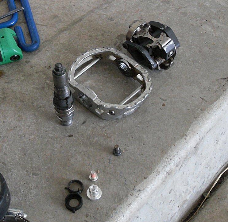 Shimano M545 pedal/cage interface rebuild-bw-001.jpg