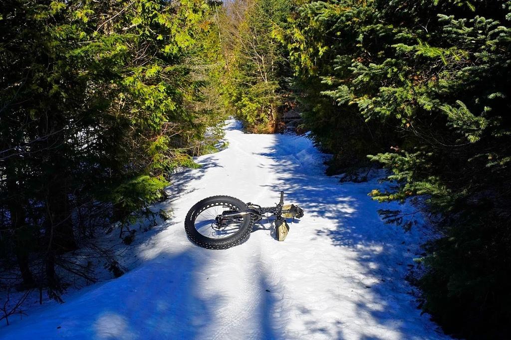 Crust Riding-bwcr6400.jpg