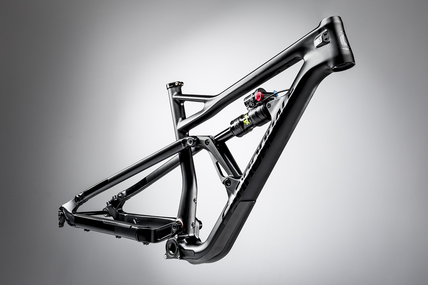 330ff76c11e Cannondale's Ai offset drivetrain (like it or not) is all over the Jekyll  29er, including ISCG 05 tabs, modular internal cable routing, PF30 bottom  bracket, ...