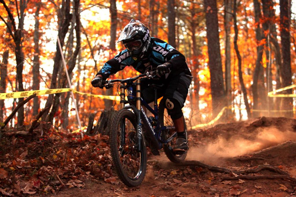 2011 Fall Colors (with Bike)-c373r6605.jpg