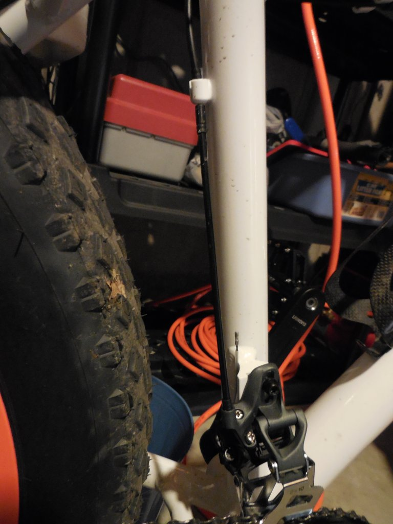 The Minnesota 1.0 and 2.0 Fatbikes-cable_route.jpg