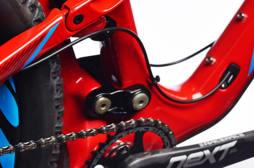 Cable routing rant-cableroutingweirdbbarea.jpg