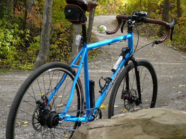 IGH Commuter-calgary-autumn-bike-ride-norco-vesta-closeup.jpg