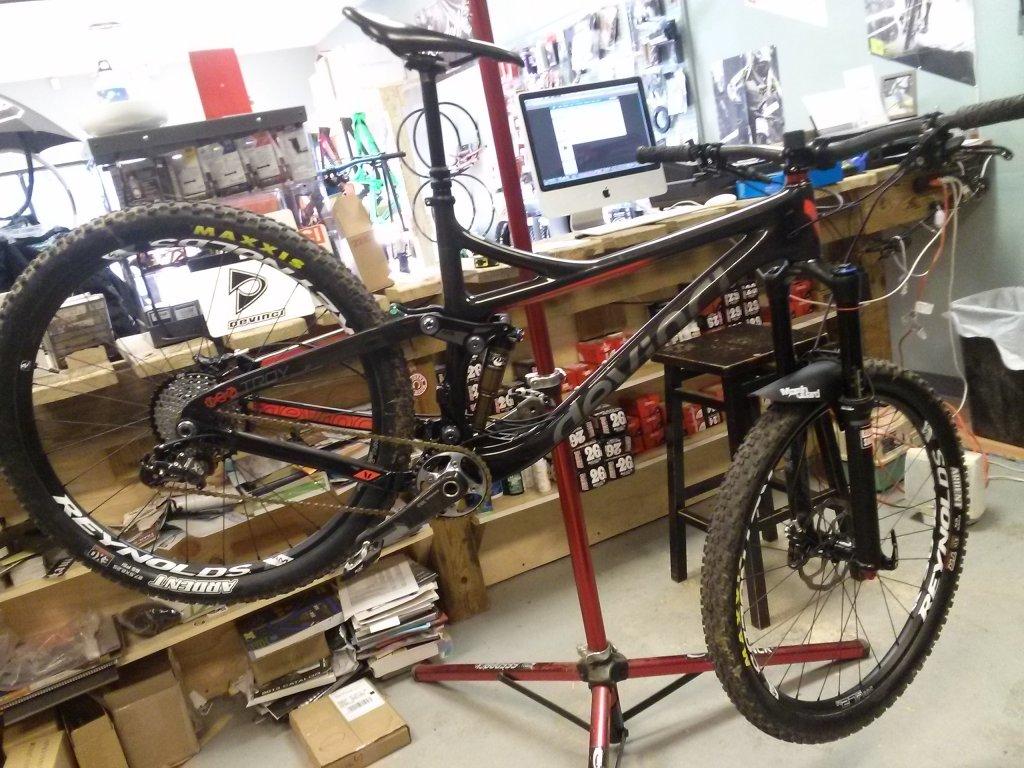 New Devinci Troy - Bike Pics-cam00256.jpg