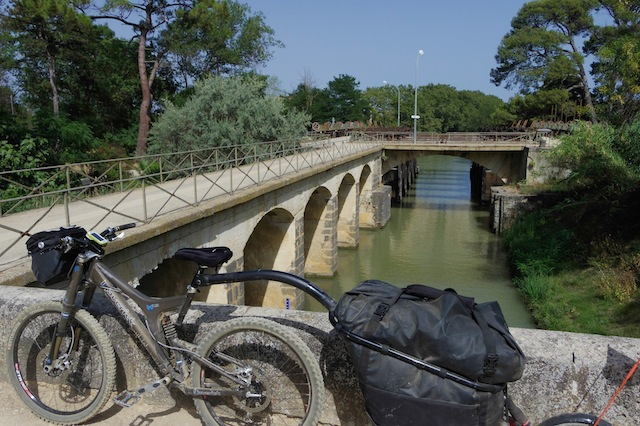 Any travellers, bikepackers , expedionist with maverick?-canal-du-midi-181.jpg