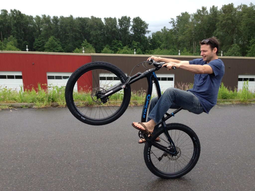Canfield Brothers EPO Carbon 29er-canfield-brothers-epo-wheelie.jpg