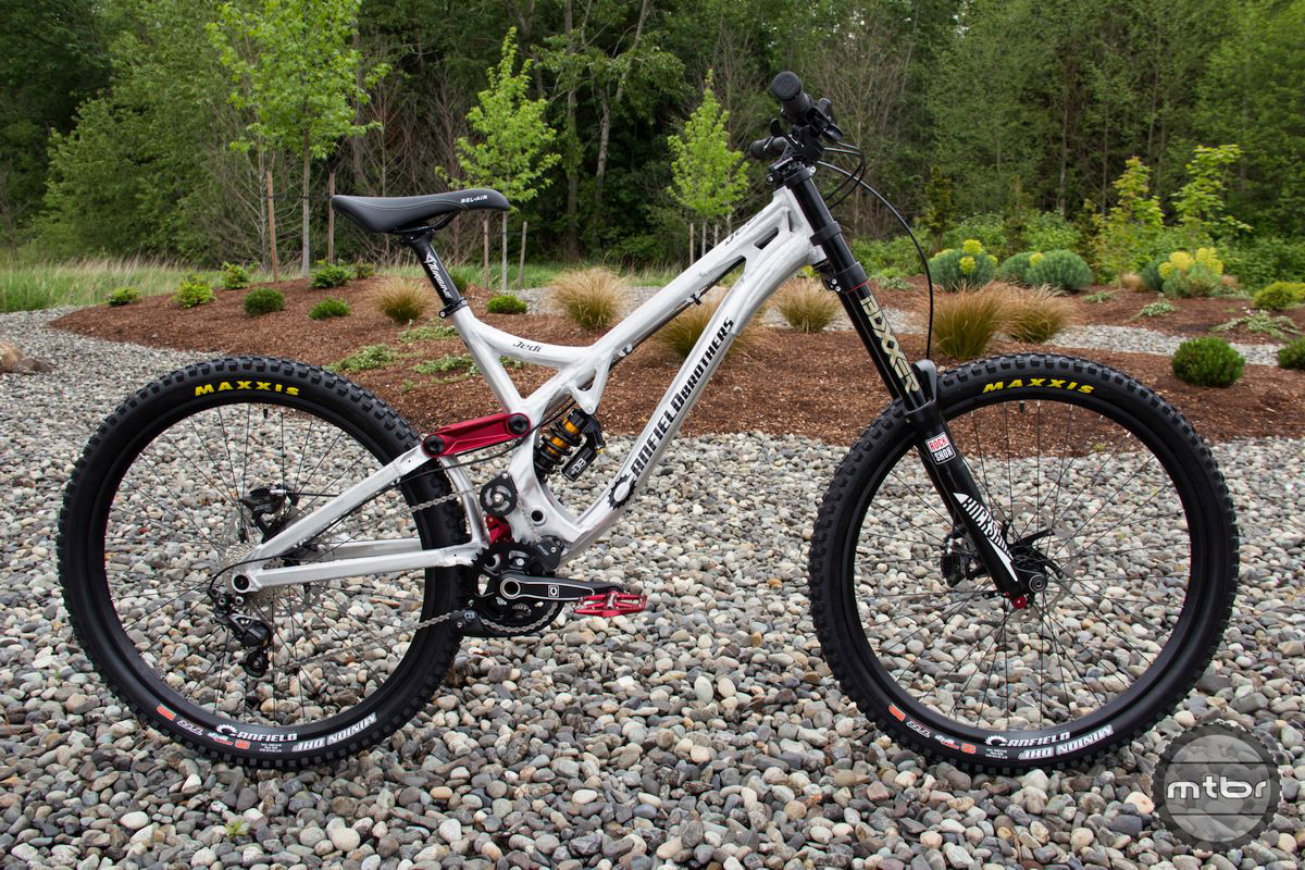The Jedi DH bike build comes with a Shimano Zee groupset.