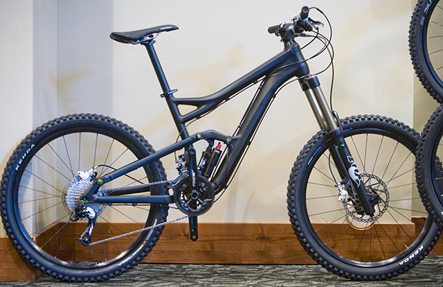New Jekyll and Claymore-cannondale2011claymore_blesk.jpg