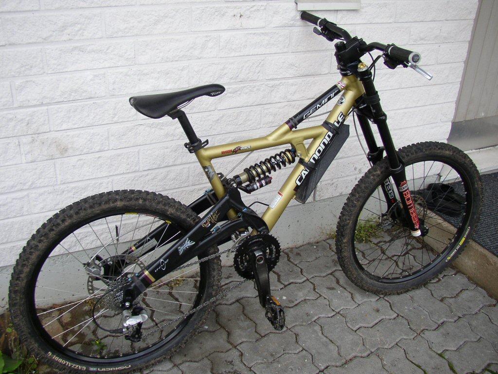 Old School DH bikes-cannondale_gemini_dh.jpg
