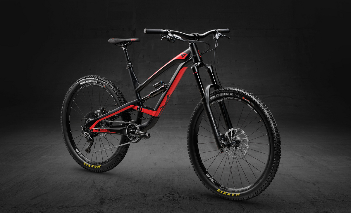 YT Capra 27 Aluminum Comp in black and blood red color