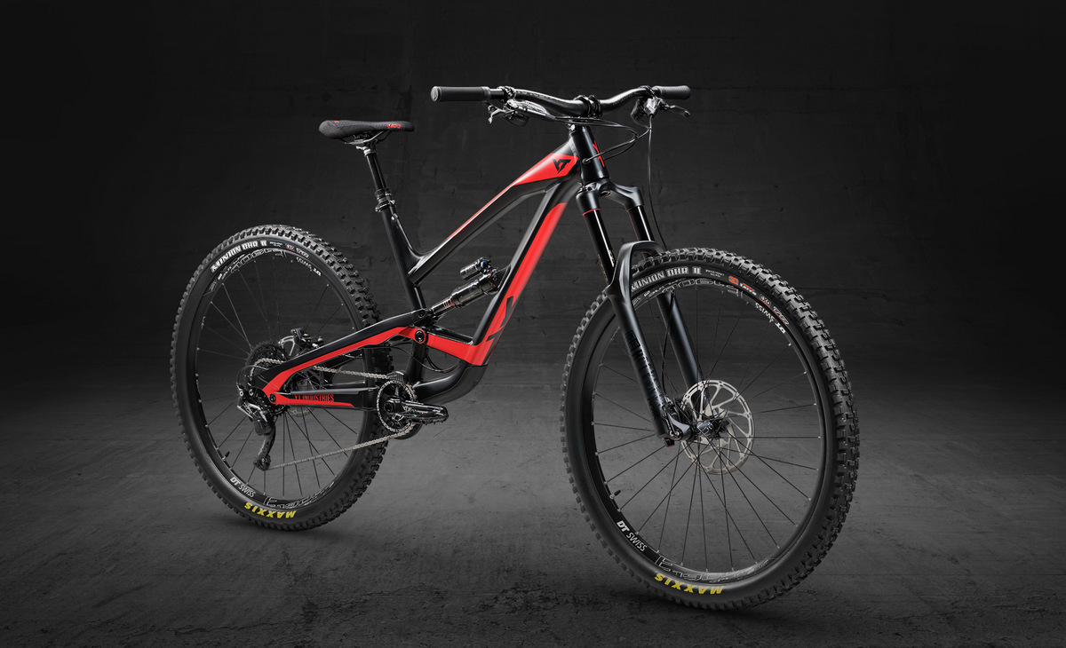YT Capra 29 Aluminum Comp in black and blood red color