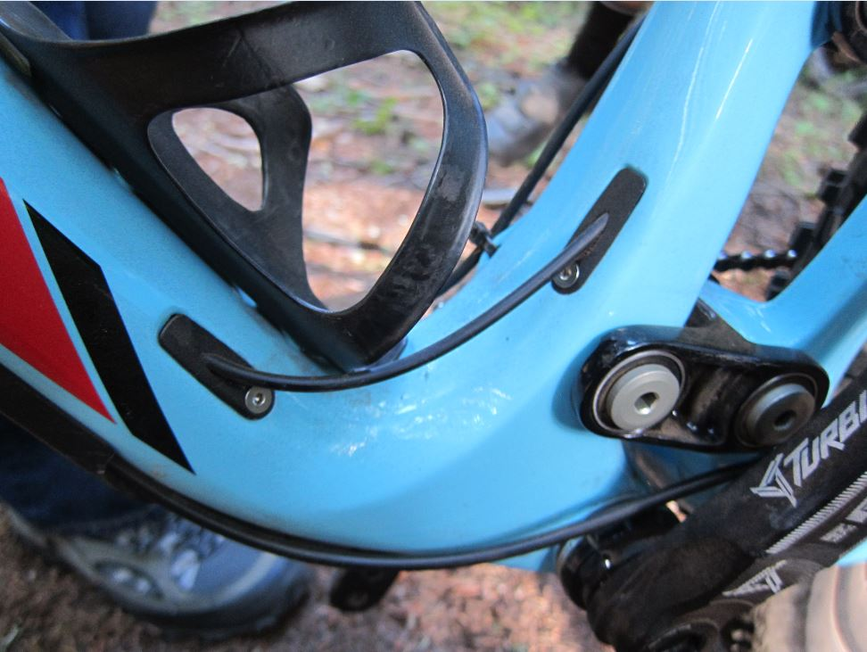 Jet 9 RDO Dropper Seat cable routing?-capture.jpg