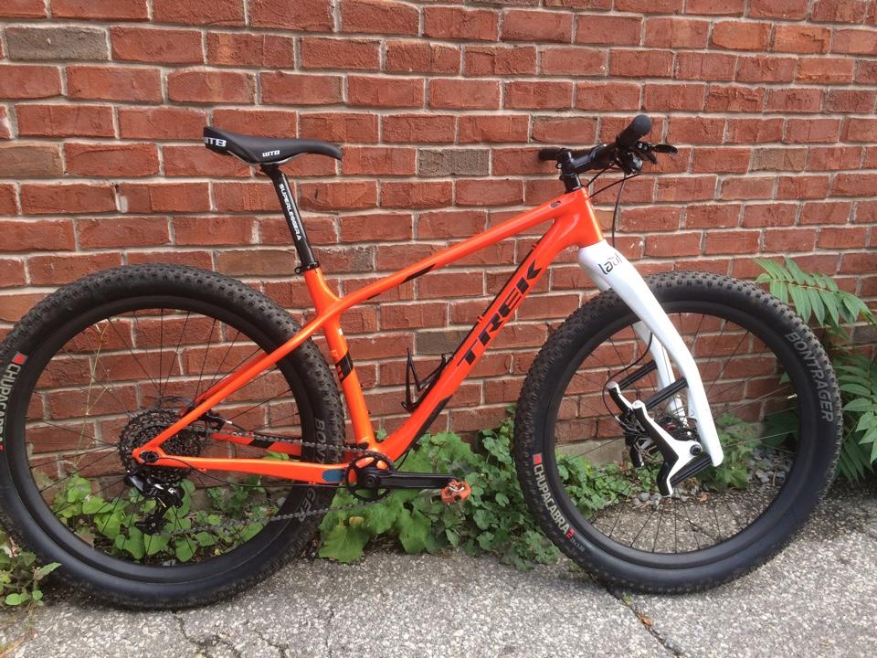 2016 Trek Farley 5, 7, 9, 9.6, and 9.8 Fat Bikes-carbon-farley-4.jpg
