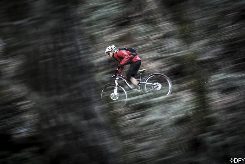 Pivot Cycles Enduro racer - Carolynn Romaine photos.-carolynnsandyridgelarge_zps776ca6fc.jpg