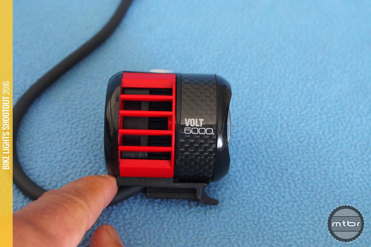 CatEye Volt 6000