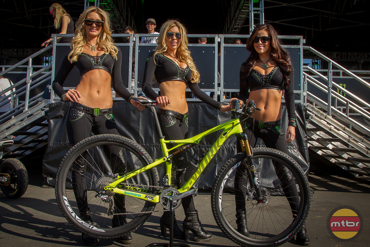 Chad Reed MTB - Monster Girls