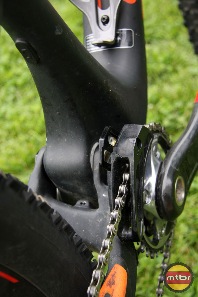 E13 XCX Chainguide