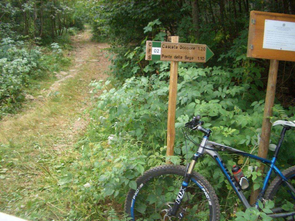 Bike + trail marker pics-cimg0003.jpg