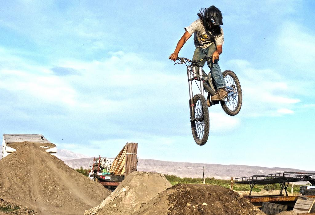 Best riding images of 2012.-cimmithrowback001_zps87b09208.jpg
