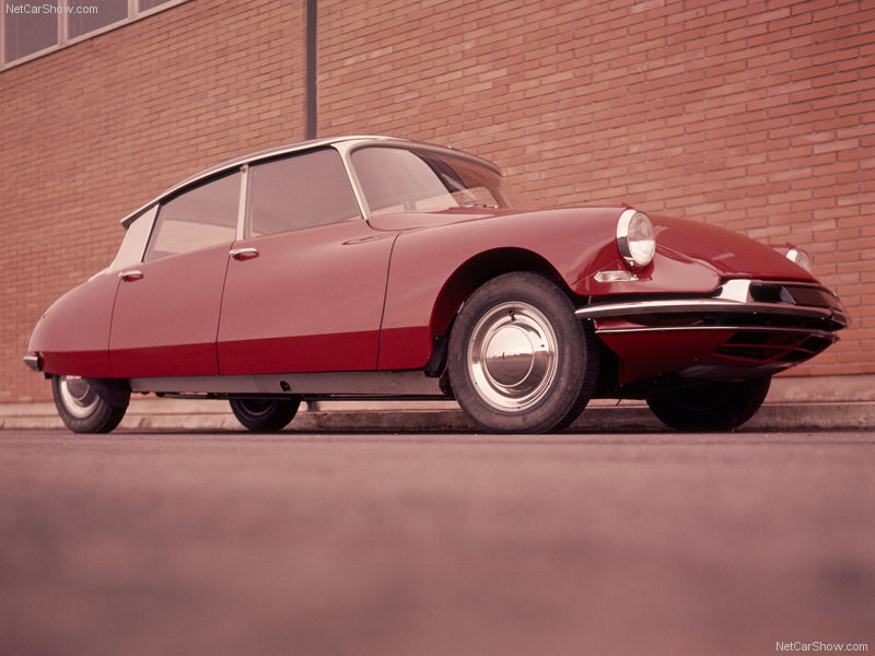 Your least favorite car (derived from all the car threads)-citroen-ds_19_1960_800x600_wallpaper_01.jpg