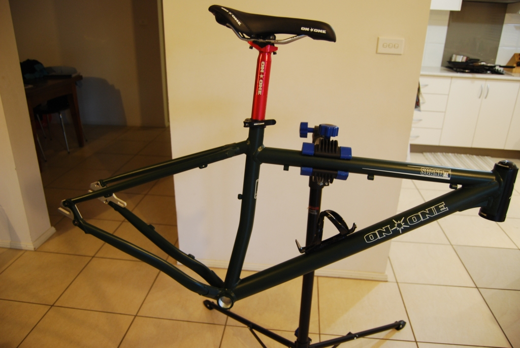 Scandal 29er build with Alfine 8-coming-together.jpg