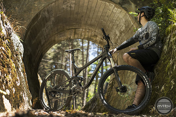 The new Meta TR V3 is based on the XC-oriented Meta SL, but has been updated with new geo and product spec and is now trail ready.