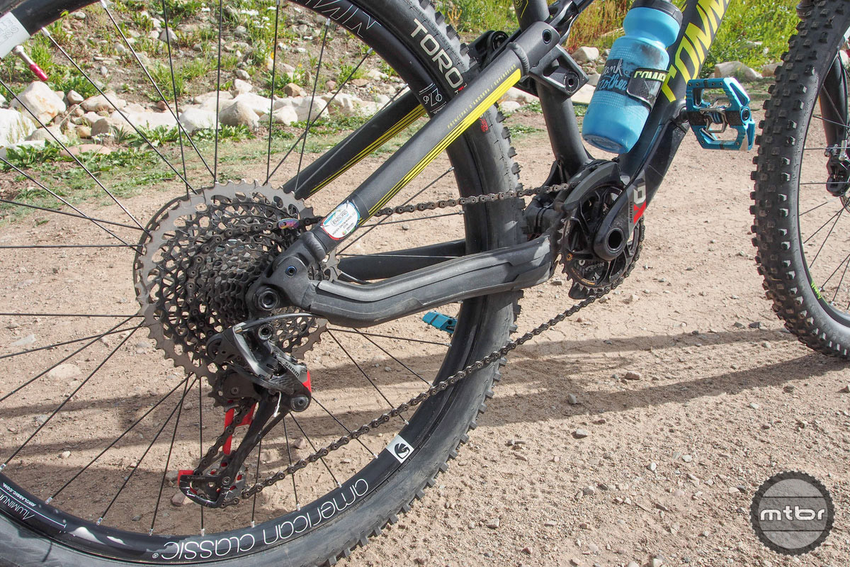 Ravanel is among the numerous EWS riders that's made the recent switch from SRAM's 1x11 to new 1x12 Eagle drivetrain.