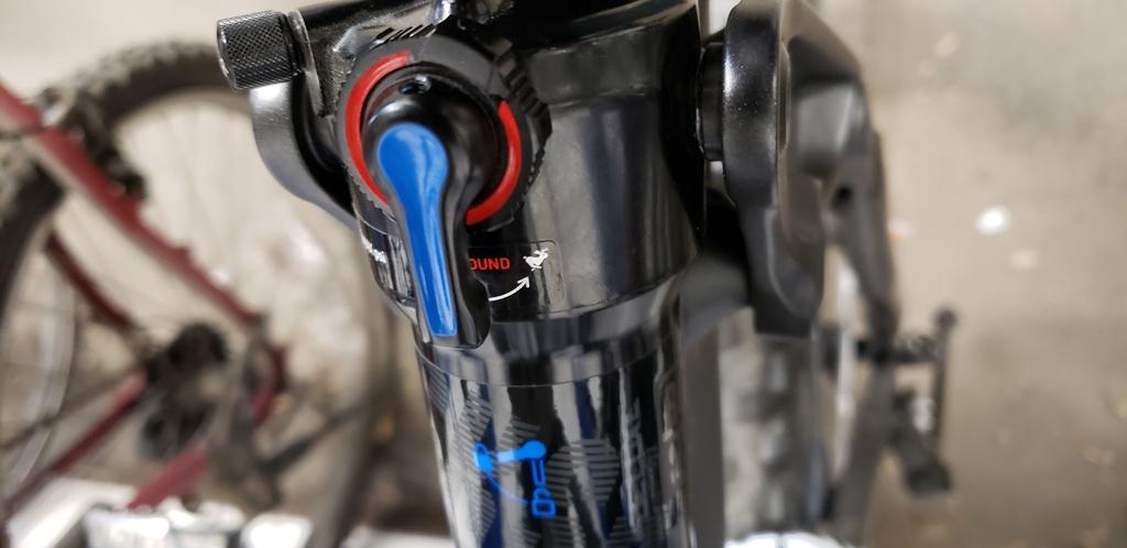 Did I bust my Rockshox Deluxe rear shock?-compression-adjuster-open.jpg