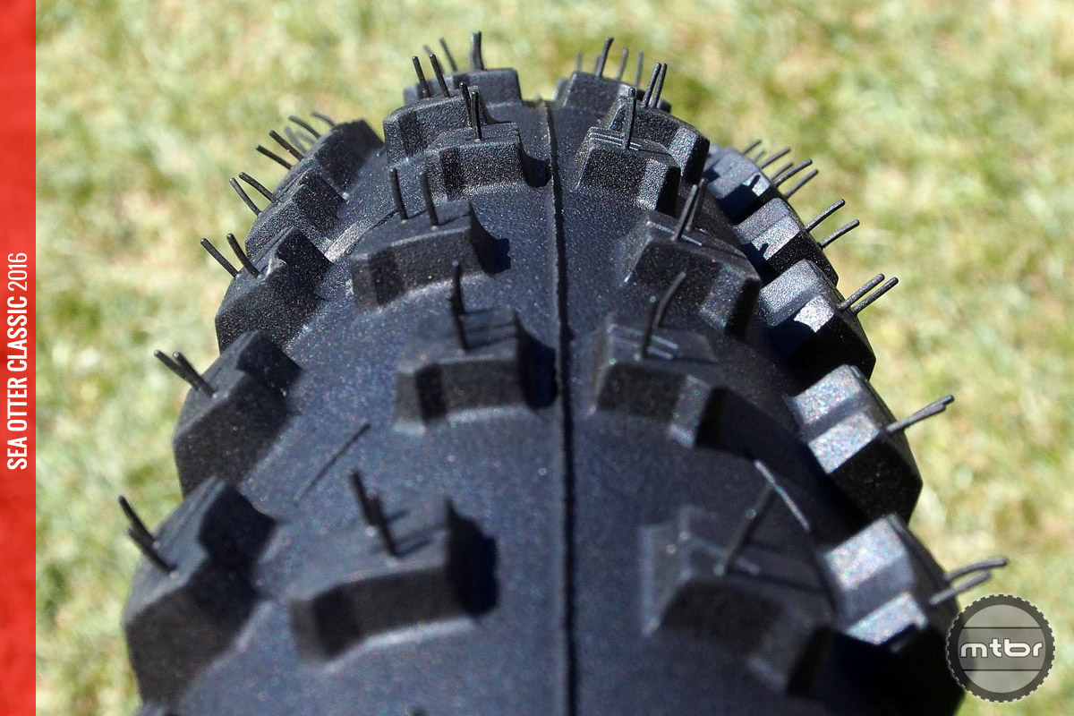 That's some toothy tread.