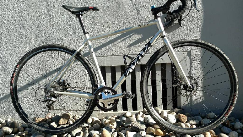Single Speed disc brake commuter w/ flat bar -  suggestions please-cotic-escapade.jpg
