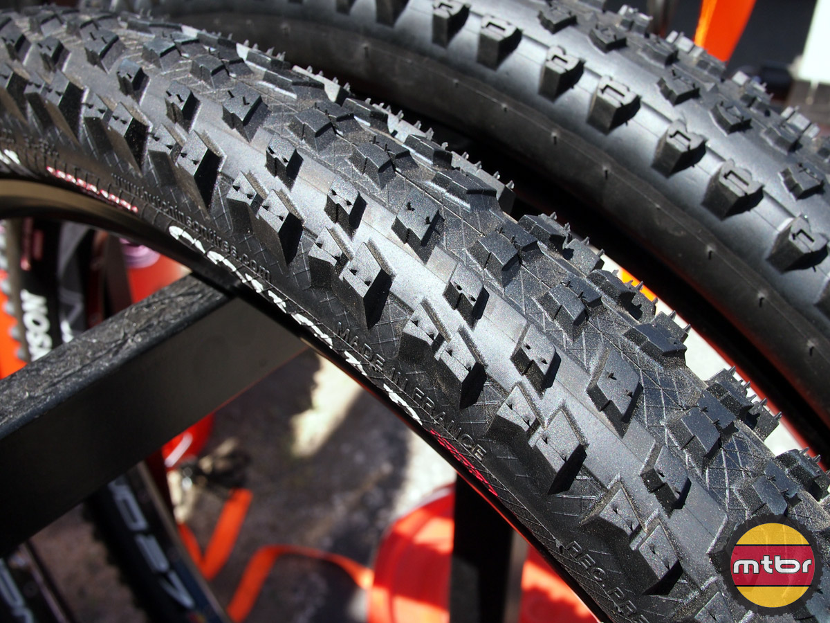Hutchinson Cougar 27.5 tire