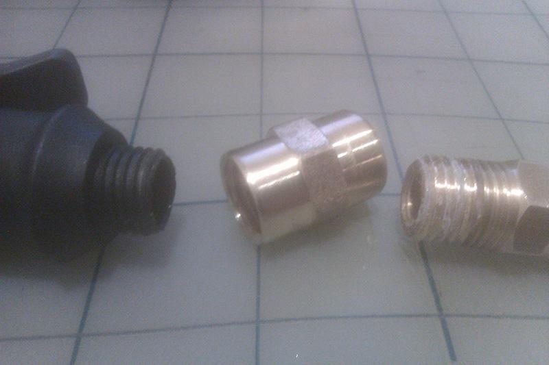 Universal Schrader and Presta air chuck tire inflator guide-coupler_2.jpg