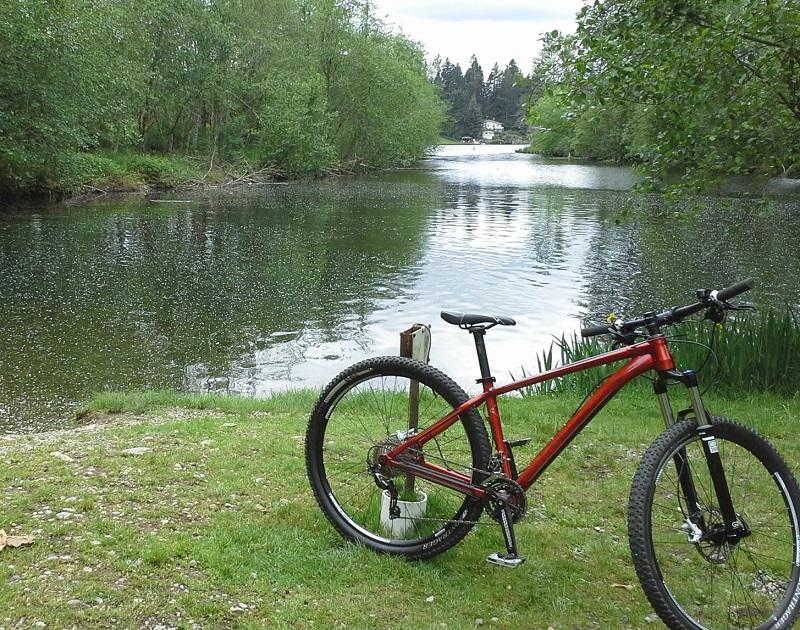 Bike Pics!-cove_at_lakesawyer.jpg