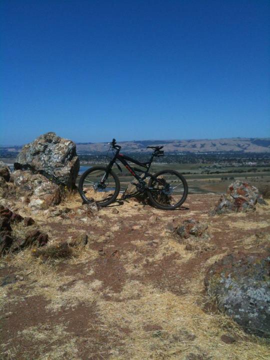 Any East Bay flat Mt Bike Trails?-coyote-peak.jpg