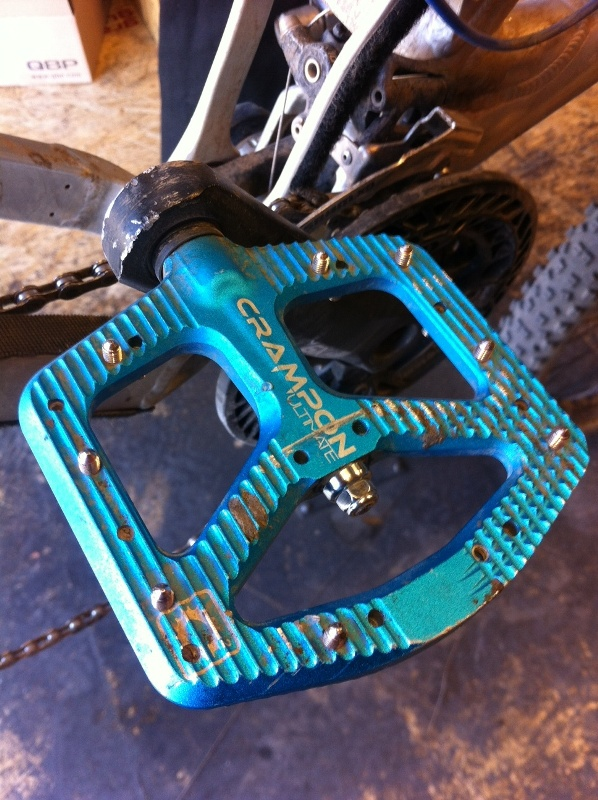 Good Single Track Flat Pedals-crampult.jpg