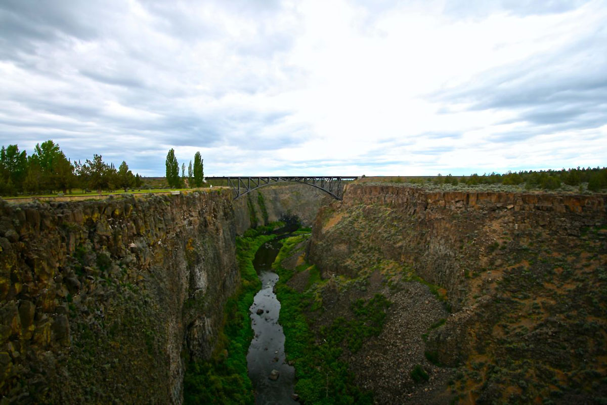 The Crooked River Gorge just north of Terrebonne is 300 feet deep – an impassible obstacle before the dawn of modern bridge building.