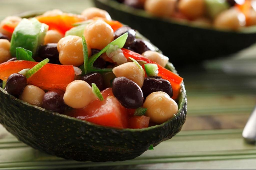 Vegetarian / Vegan / Raw recipes & chat-cropped-black-bean-chickpea-avocado-salad.jpg