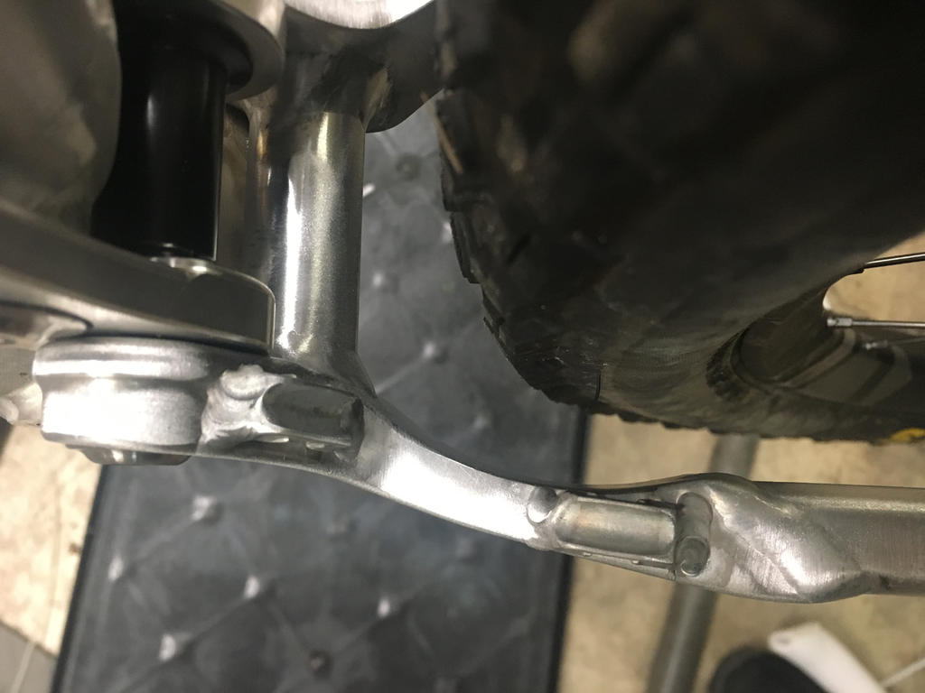 New innovative suspension from Tantrum Cycles. Any thoughts...-cs-tire-clearance.jpg