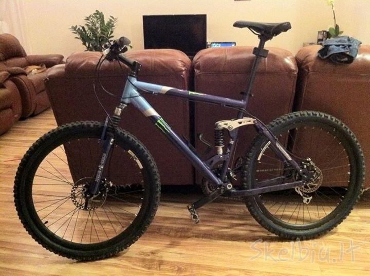 Help Identifying this bike!-custom-37976819.jpg