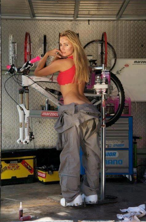 Race Mechanic-cycling-girls.jpg