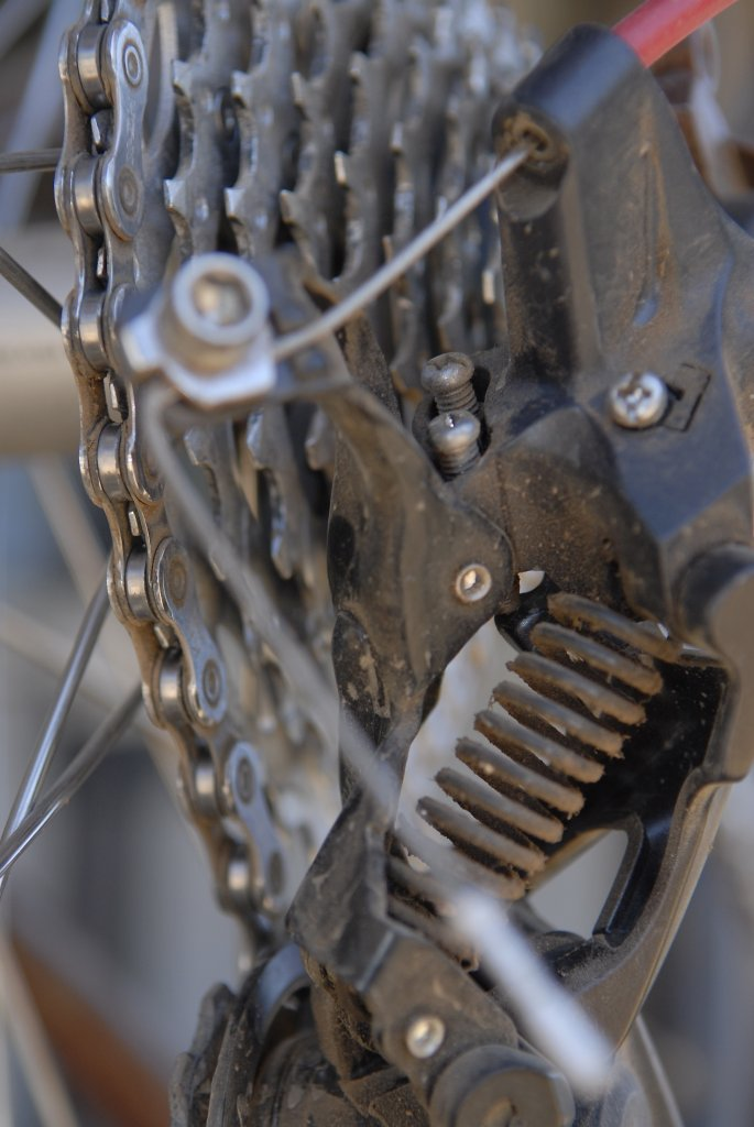 Some pointers on adjusting Shimano XT Shadow rear mech screws-d-11.jpg