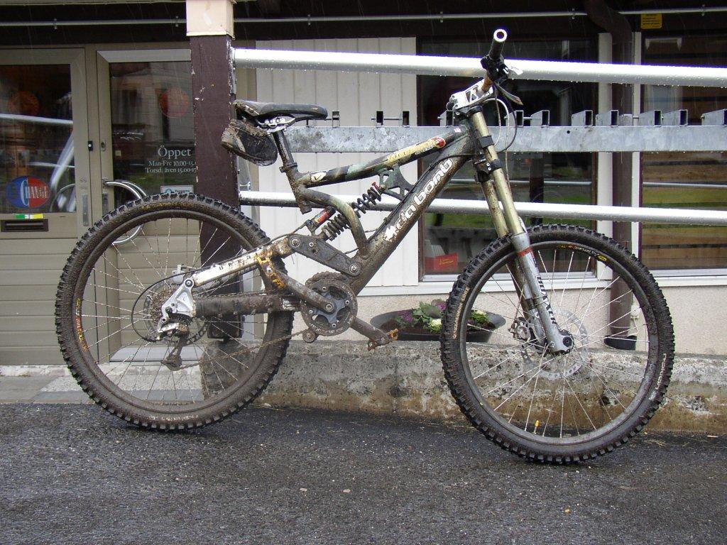 Old School DH bikes-dabomb_mindbomb.jpg
