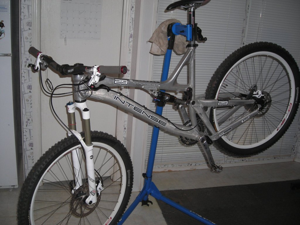 New to Intense and 29 inches!-dat-bike.jpg