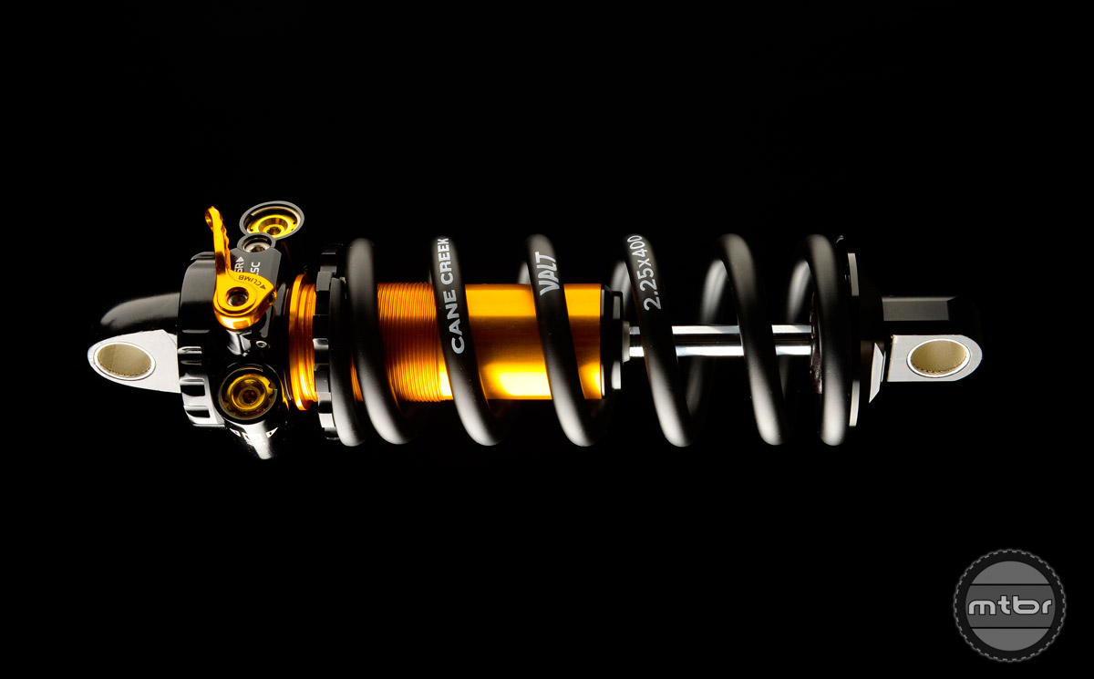 Like other Double Barrel shocks, the DBcoil[IL] offers a wide range of adjustability through external adjusters that independently control each phase of damping without crossover effects.