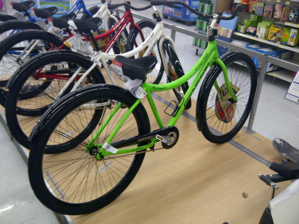 32in wheel bike? Cruiser sighted at Wal Mart.-denver-20120615-00032.jpg