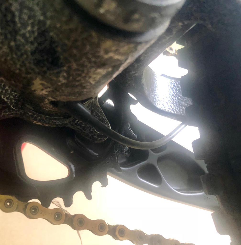New innovative suspension from Tantrum Cycles. Any thoughts...-der-cable-bb.jpg