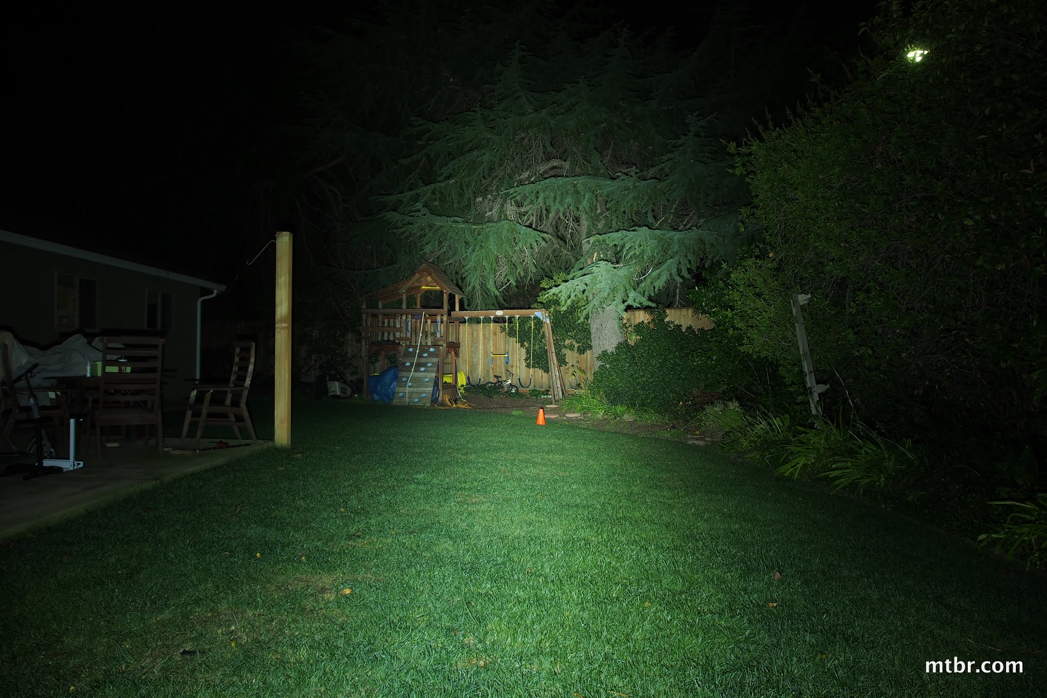 DesignShine DS-1300 Backyard Beam Pattern