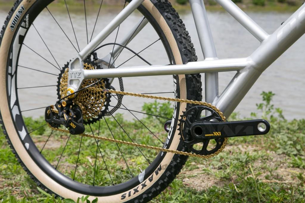 Devinci YYZ-devinci-yyz-30th-anniversary-bike-12-1024x682.jpg