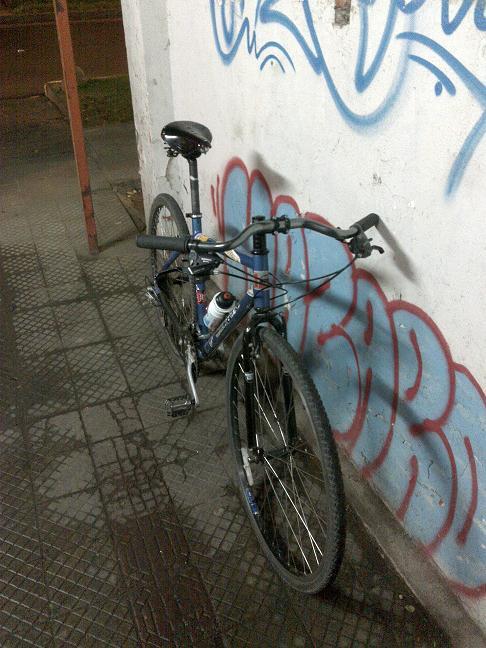 Post your commuter photos!-dew_flyer.jpg